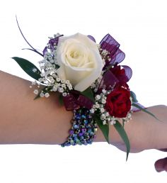 #WC2 Wrist Corsage  See more / facebook on Left