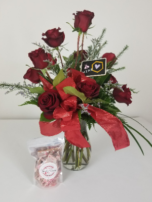 We BEE-long Together Dozen Roses Special in Wayne, NE | THE FLOWER CELLAR
