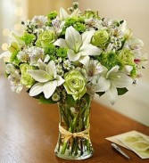 Serene Green In Clear Gathering Vase