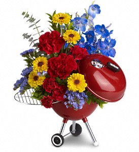 WEBER King of the Grill by Teleflora Father's Day in Harrison, OH | Hiatt's Florist & Gifts