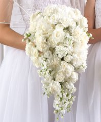 BRIDAL TEARDROP BOUQUET WS1-11 in Conroe, TX | Flowers Texas Style / Heavenly Cakes & Flowers