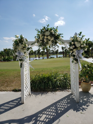Wedding Arch  in Margate, FL | THE FLOWER SHOP OF MARGATE