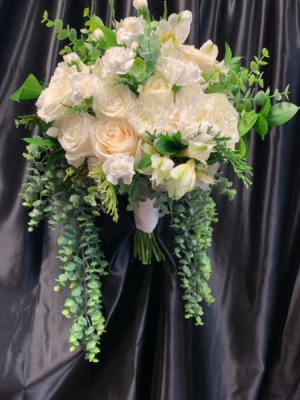 Wedding Delight   in Round Lake, IL | CUNA'S FORMAL WEAR & FLOWERS INC.