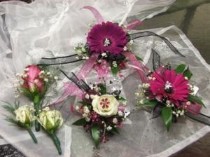 Wedding Flowers  in Herndon, PA | BITTERSWEET DESIGNS BY LORRIE