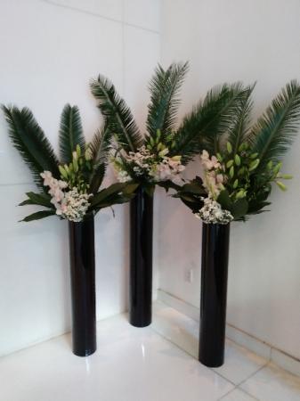 Building lobby arrangements Weekly flower service