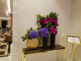 Hotel - Restaurant displays Weekly flower service