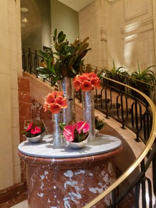 Hotel displays Weekly flower service