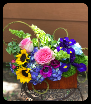 WEEKLY SPECIAL - WHILE SUPPLIES LAST  in Bryan, TX | NAN'S BLOSSOM SHOP