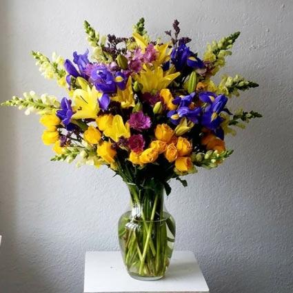 WELCOME NEW YEAR Flower Arrangement