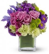 Welcome Spring vase arrangement