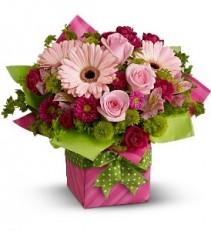 WF158 Teleflora's Pink Gift Box
