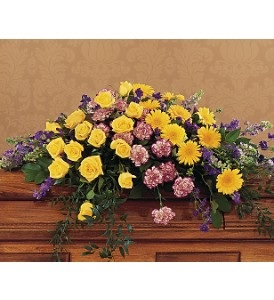 WFC117 Casket Spray - Fond Memories in Westford, MA | WESTFORD FLORIST