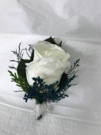 WFP 421 Preserved White Rose Boutonniere