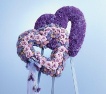 WFS1530 Inseparable Hearts Standing Wreath