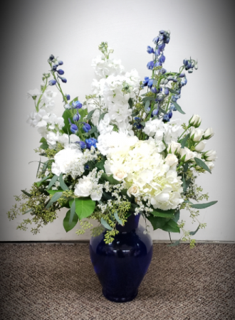 Whispering Blues and Whites  FHF-M03 Fresh Floral Vase Arrangement