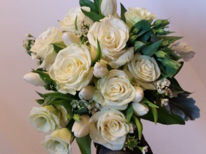 White Beauty Handheld Bouquet