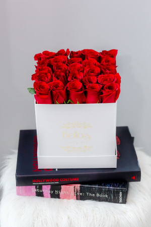 25 Red Roses In White Hat Box