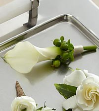 WHITE CALLY BOUQUET WEDDING