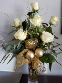 White Christmas Vase Design