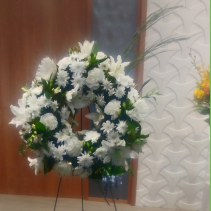 White Cloud  Standing Wreath