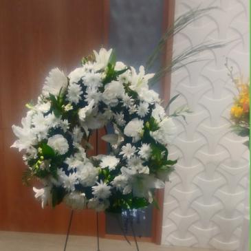 White Cloud  Standing Wreath