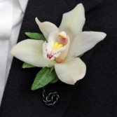 Simple Cymbid Boutonnier
