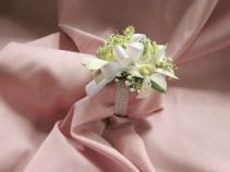 4 White Dendrobium Wrist Corsage