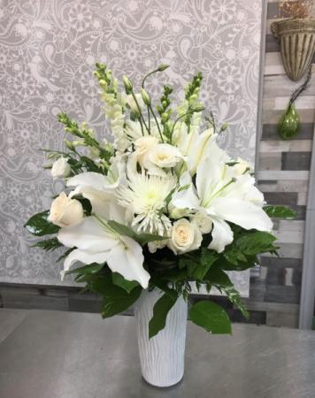 White Elegance Vase vase
