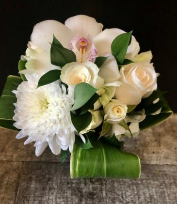 White Elegant Wedding Bouquet Wedding Bouquet