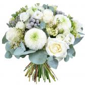 white & greay bouquet centerpiece