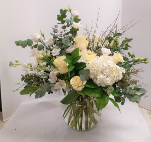 White Magic  in Tottenham, ON | TOTTENHAM FLOWERS & GIFTS