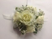white mini rose wristlet