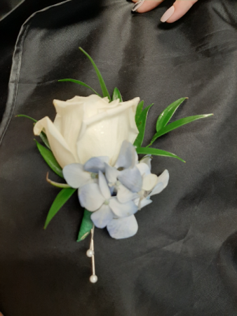 white rose and blue hydrangea  Bout
