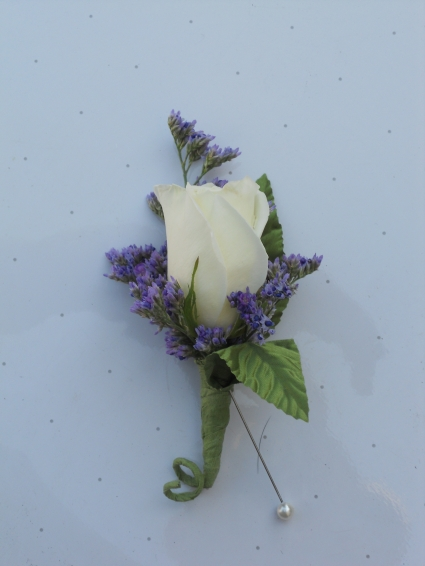White Rose with Limonium
