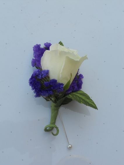 White Rose with Statice