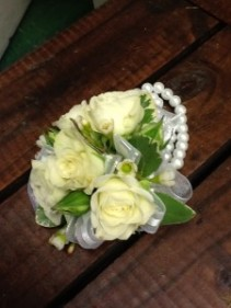 White Rose Wrist Corsage with Pearl Bracelet Wrist Corsage