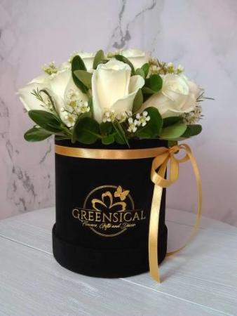 White Roses Elegance