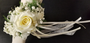 3 White Roses Wristlet  3 White Roses Wristlet
