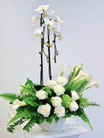 White Serenity floral arrangement