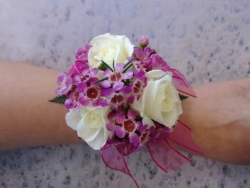 White Spray Roses (Choose color) Mini Corsage