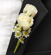 White sweetheart rose butneer