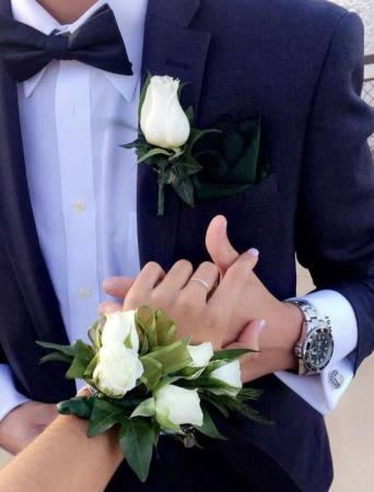 TRADITIONAL WHITE SET Corsage & Boutonniere Set