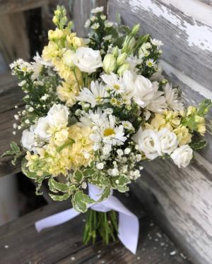 White Wild Flower Nosegay Small Wild Flower Bouquet in Key West, FL | Petals & Vines