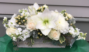 White Winter Box in Chappaqua, NY | ART OF FLOWERS