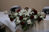 White with Dark Red Bride's Table Arrangement