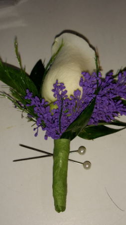 White with Purple Accent Boutonniere