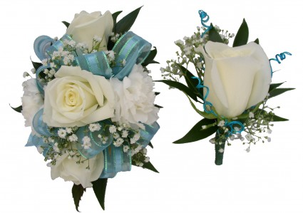 Captivating White W/light Blue Corsage / Boutonnieres