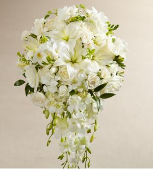 THE FTD® WHITE WONDERS™ BOUQUET W7-4633 Bridal Bouquet