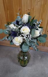 White/Blue/Euc Bouquet