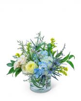 Wilde Blue Flower Arrangement